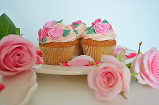 Pistachio and Rose Cupcakes